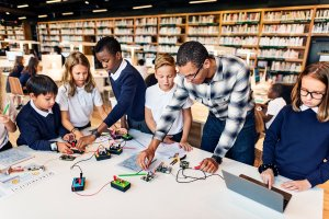 education-school-student-circuit-electricity-PN7WX3P