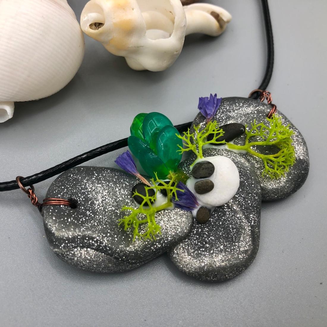 Succulent Necklace Mini Garden Design Detail