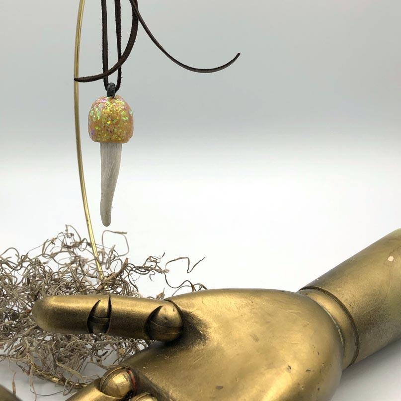 gold glitter mushroom pendant detail
